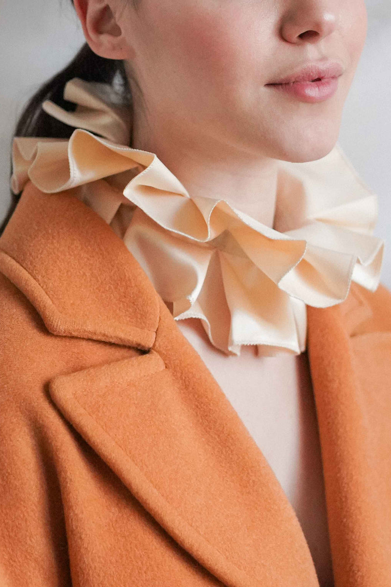 SATIN RUFFLE COLLAR - CREAM
