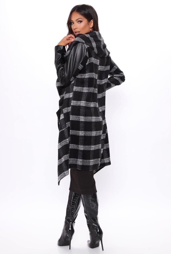 LA WINTER HOODED CAPE