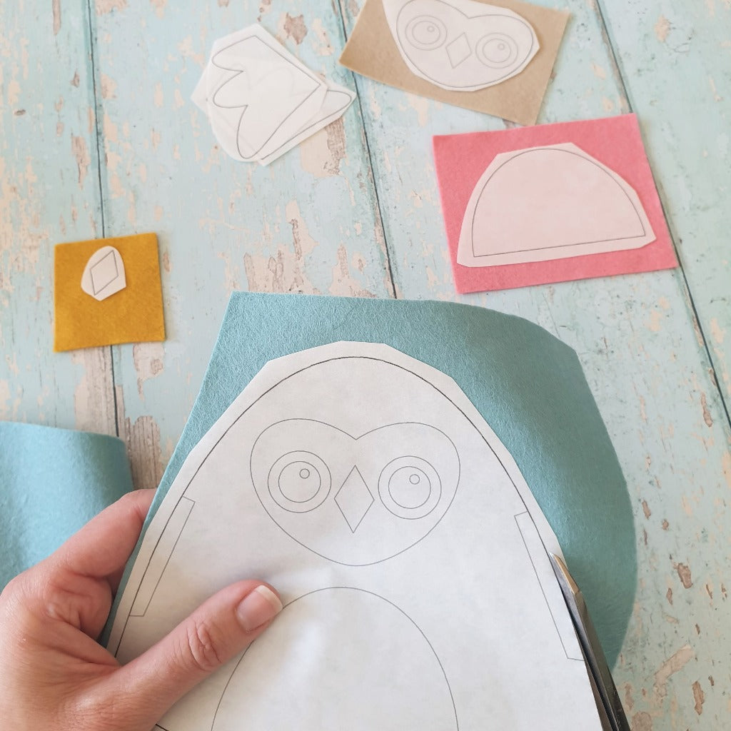 how to use freezer paper templates to cut felt