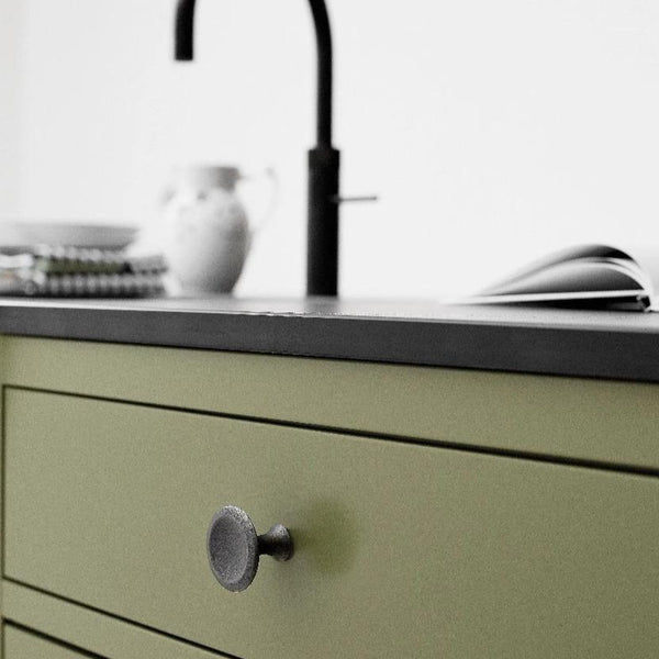 Bell Knob Antique Grey - Lifestyle Green