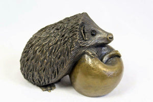 Oriele Cold Cast Bronze Small Hedgehog On Apple Figure Figurine Decoration