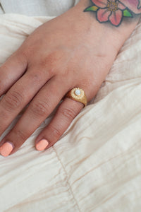 Beam Ring / mother of pearl