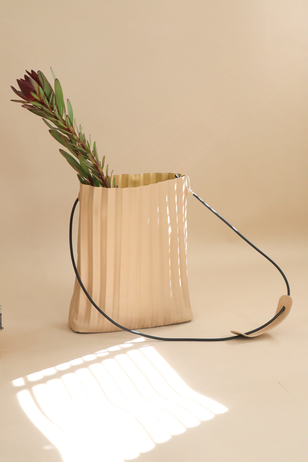 minimal pleated bag