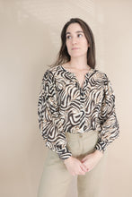 Load image into Gallery viewer, Chloa Blouse – Brown