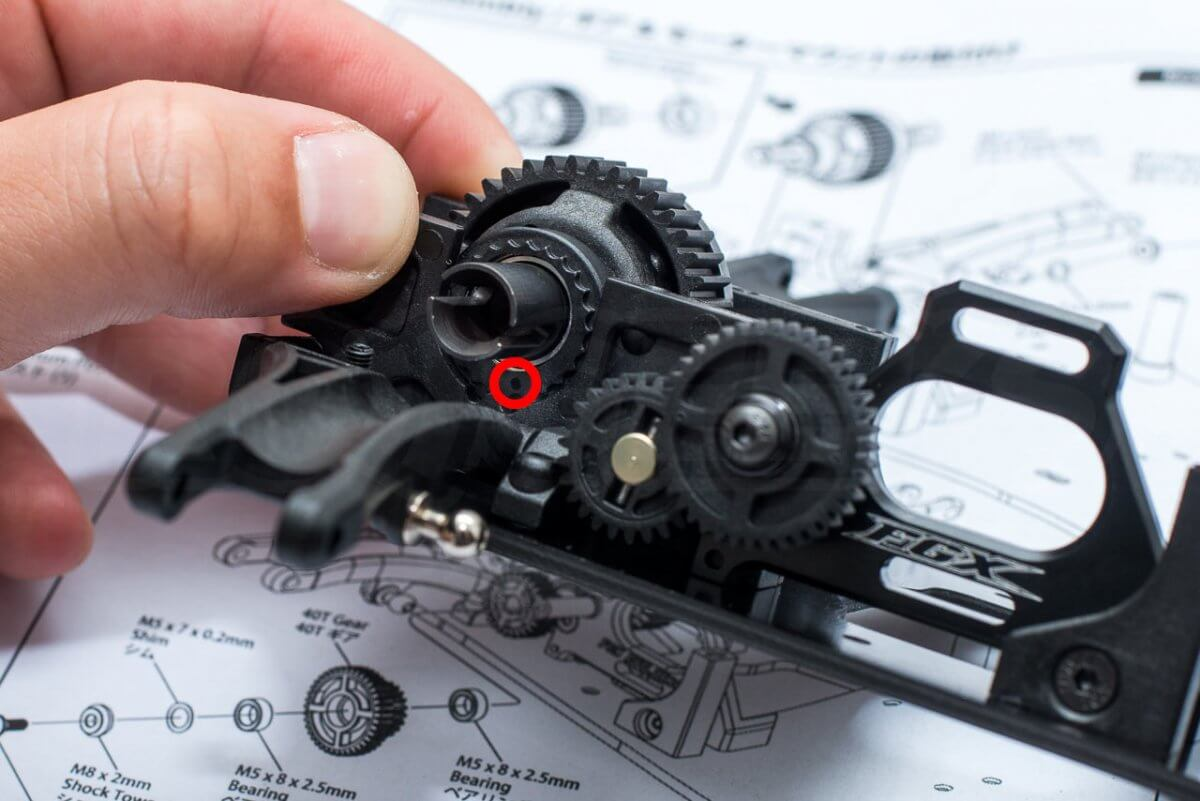 3Racing Sakura FGX2018 F1 Car kit build 3 gears and motor mount assembly alignment detail