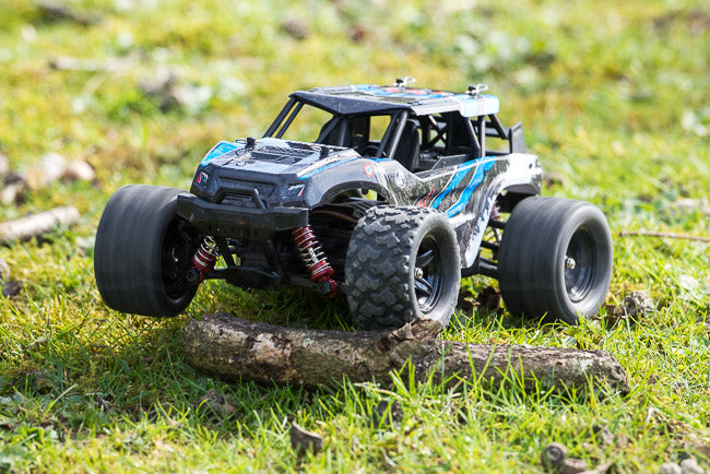 Absima Hurricane Thunder 18th scale review thunder on grass open differential