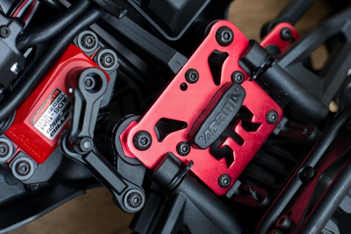 Arrma Senton 6S review chassis bracing
