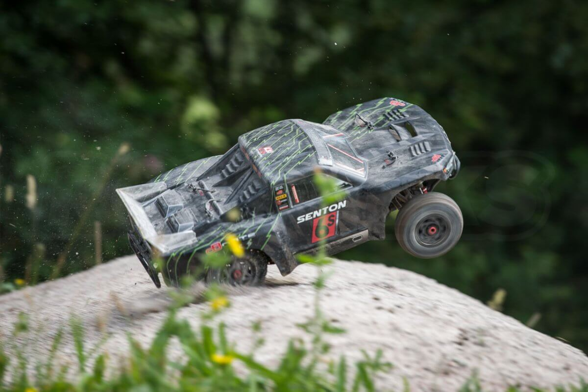 Arrma Senton 6S review crash land rear axle