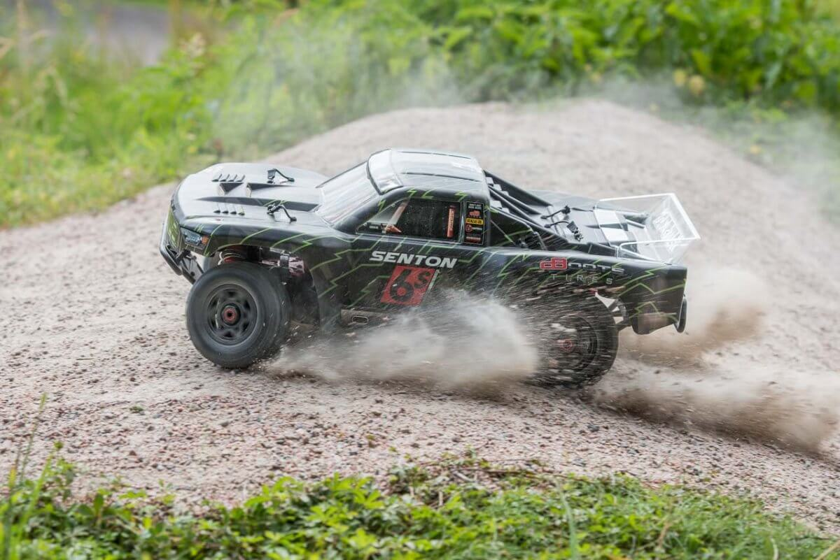 Arrma Senton 6S review cresting loose hill