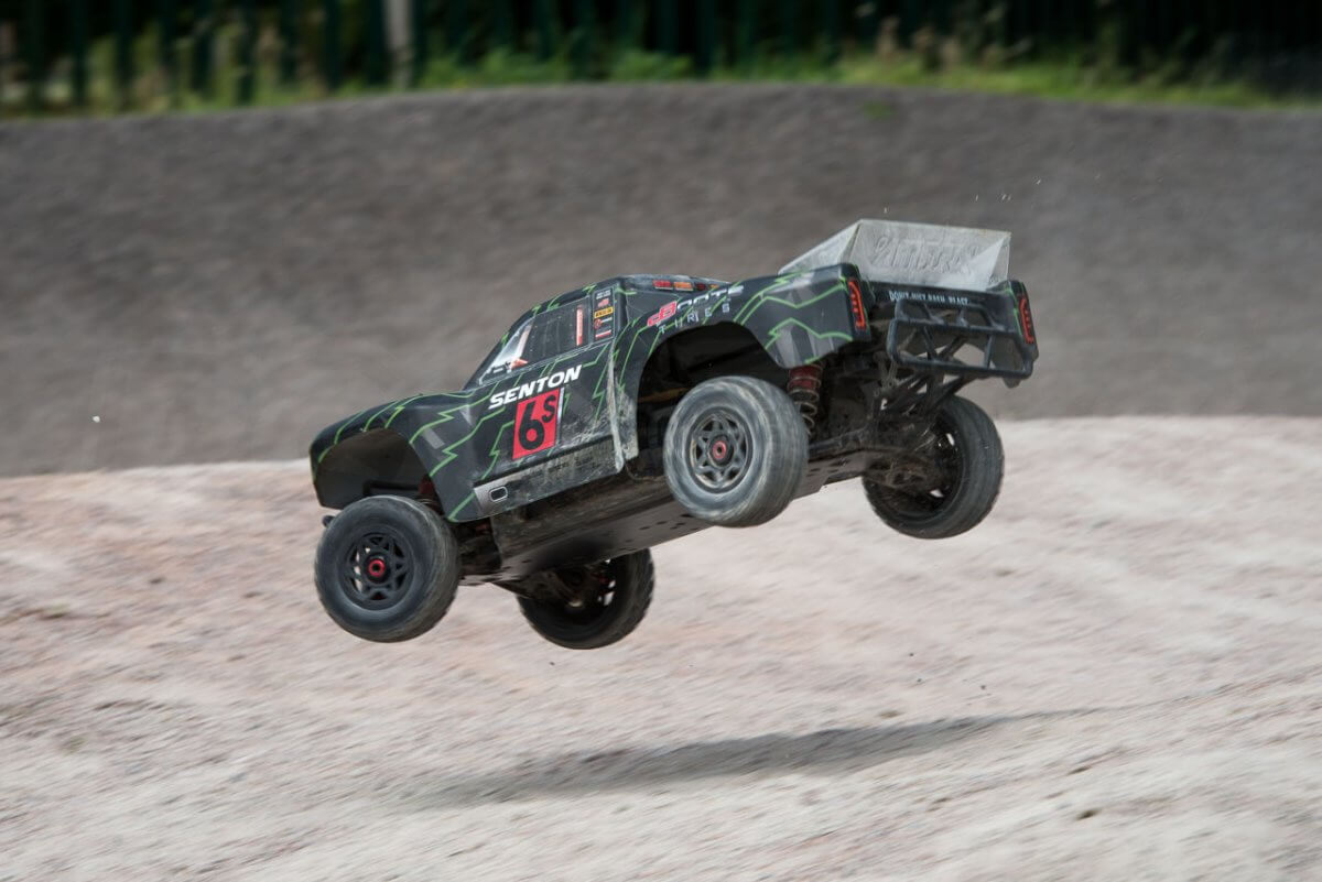 Arrma Senton 6S review landing rear