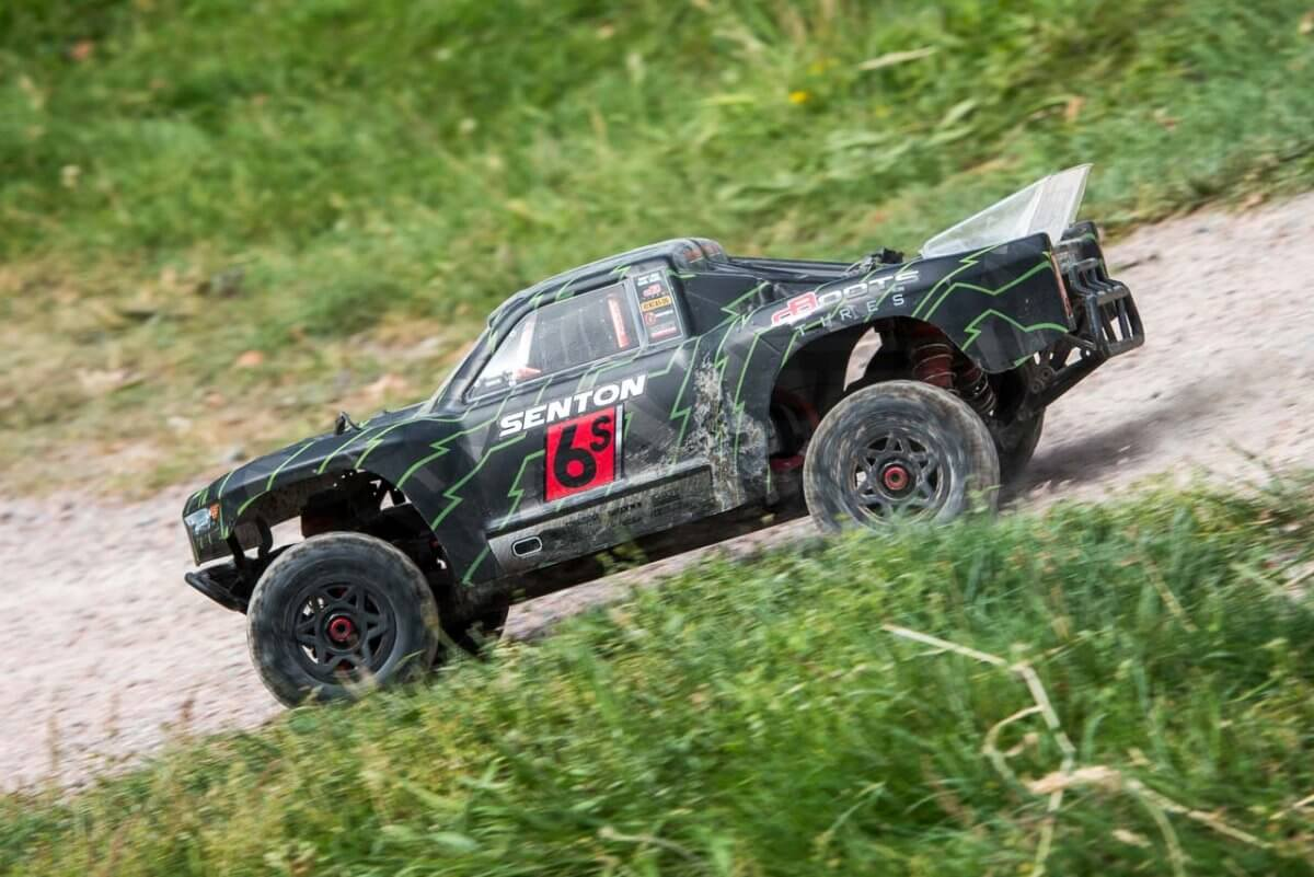 Arrma Senton 6S review on the track
