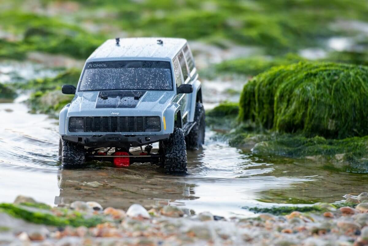 Axial SCX10 II Review Jeep Cherokee green rock pools wading