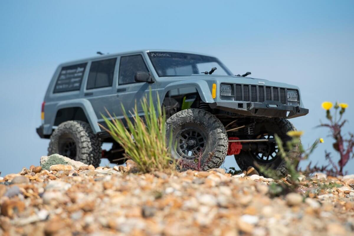 Axial SCX10 II Review Jeep Cherokee loose climbing high posed