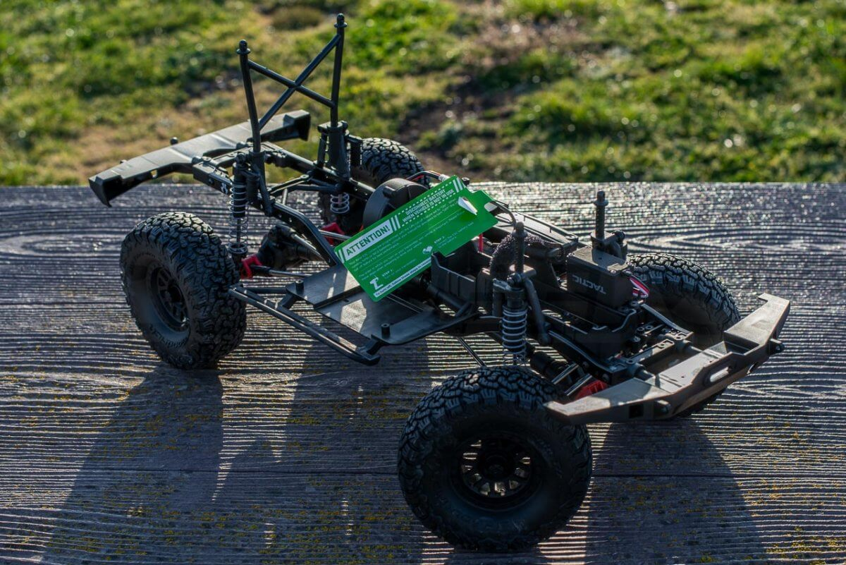 Axial SCX10 II Review chassis
