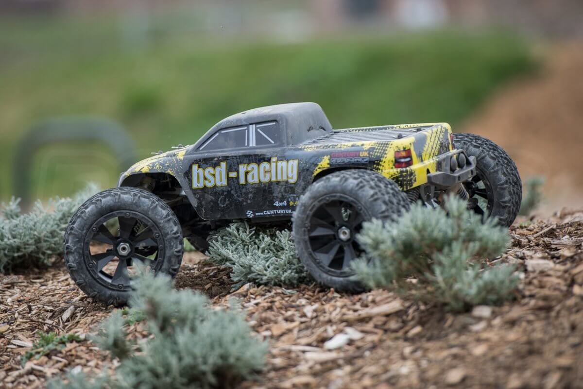 BSD Racing Flux Marauder Review chippings parked rear