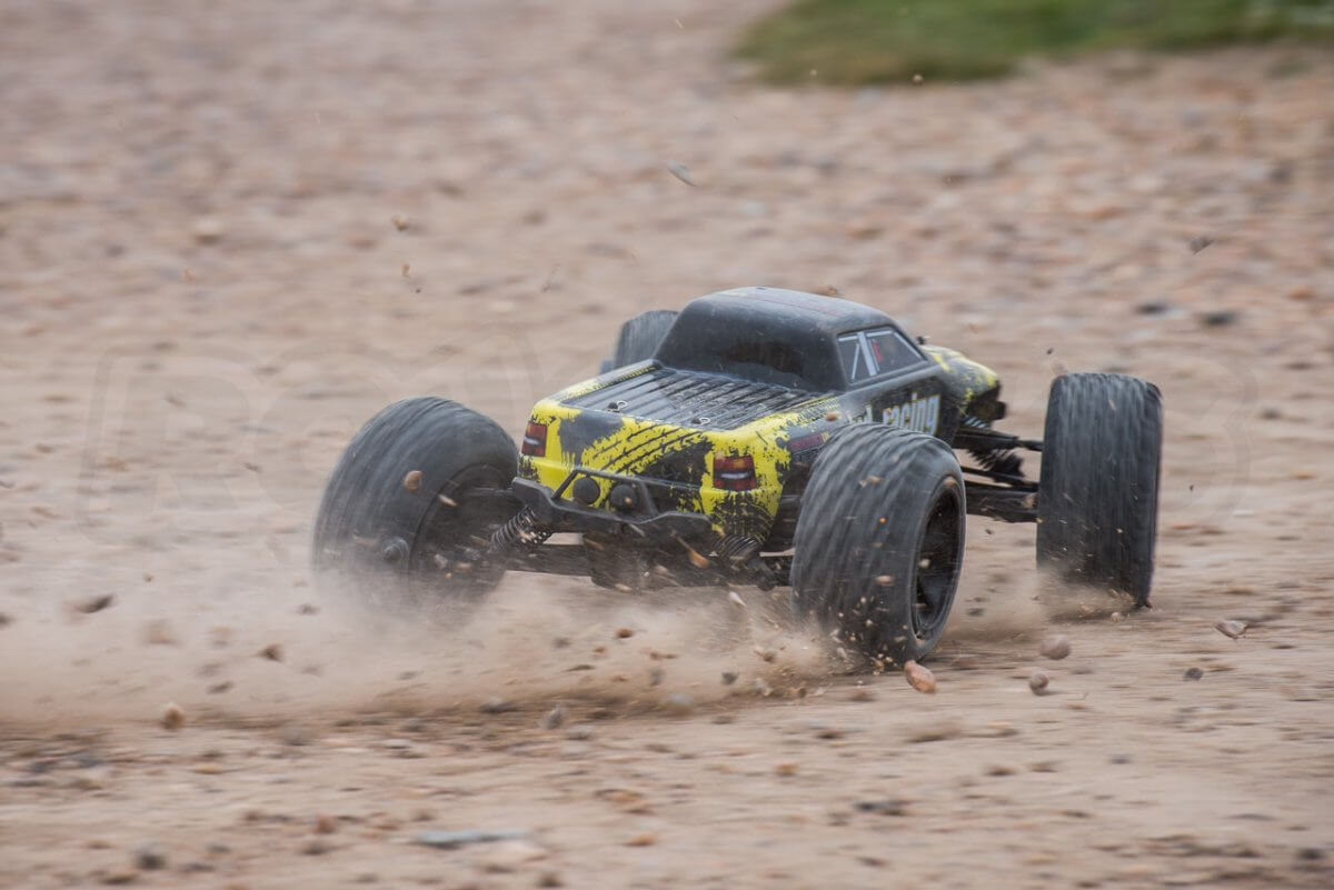 BSD Racing Flux Marauder Review dust slide rear