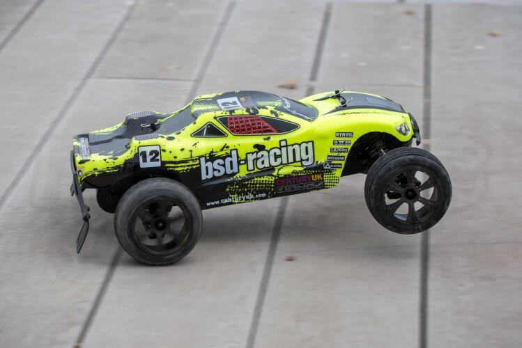 BSD Racing Flux Storm V2 Truggy Review big wheelie past