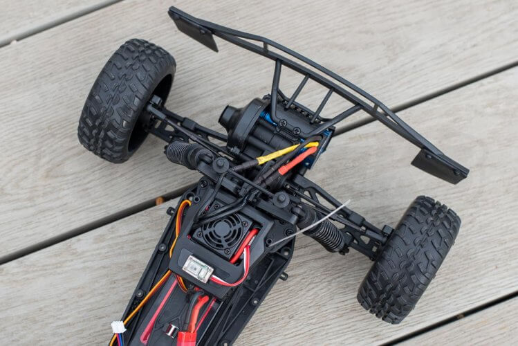 BSD Racing Flux Storm V2 Truggy Review chassis detail front suspension