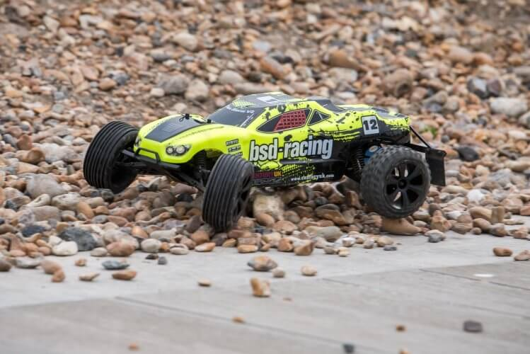 BSD Racing Flux Storm V2 Truggy Review on gravel