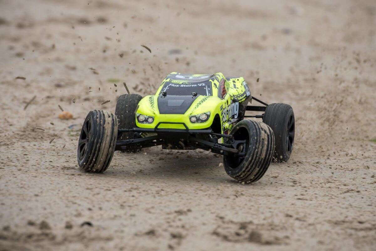 BSD Racing Flux Storm V2 Truggy Review on sand drifing front
