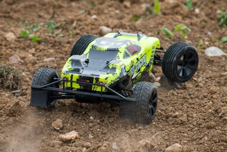 BSD Racing Flux Storm V2 Truggy Review rear power