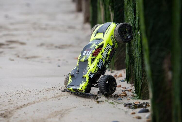 BSD Racing Flux Storm V2 Truggy Review sand sea defence
