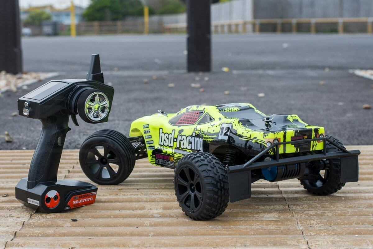 BSD Racing Flux Storm V2 Truggy Review unboxed rear