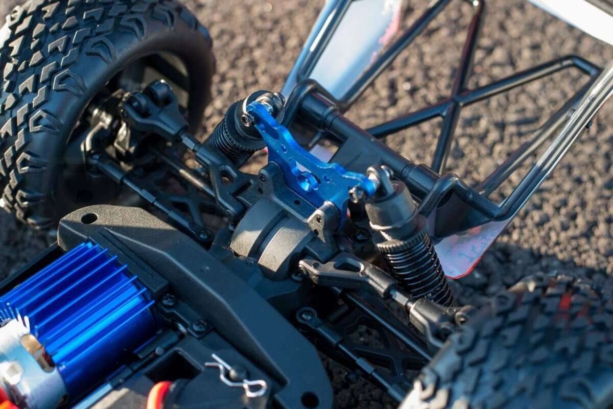 BSD Racing Prime Desert Assault review rear shock tower body hinge