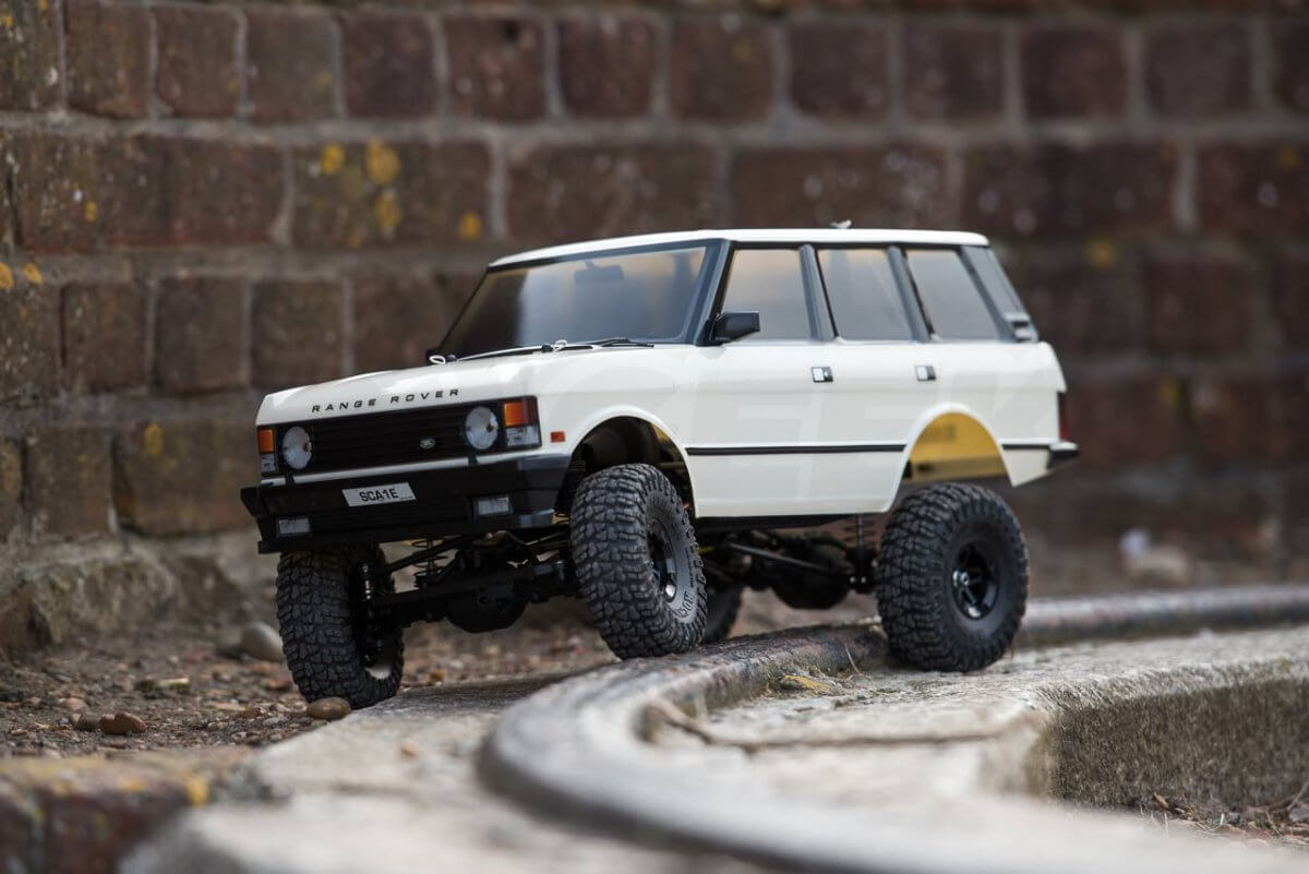 Carisma classic Range Rover Hands on review on rails front