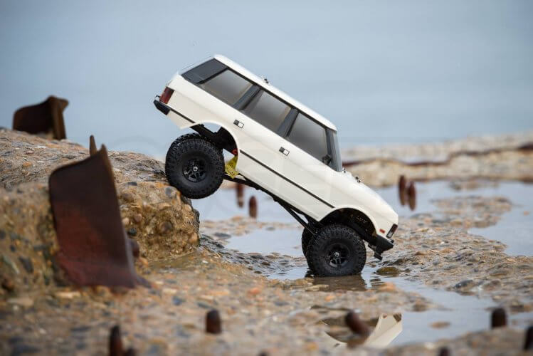 Carisma classic Range Rover Hands on review seaside ground clearance