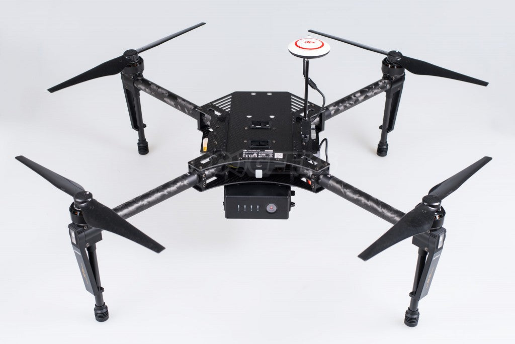 DJI-Matrice-100-unboxing_frame-constructed-two