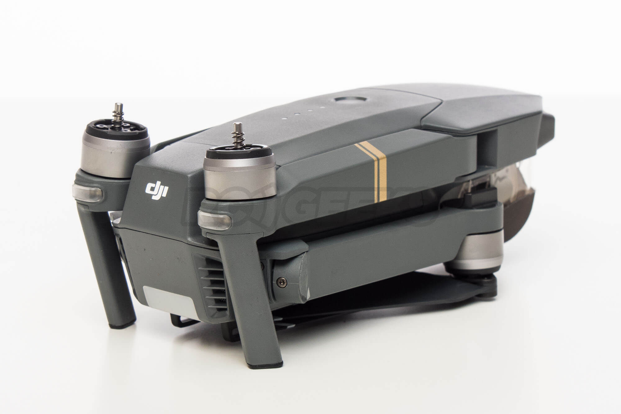 DJI-Mavic-pro-aircraft-folded-back