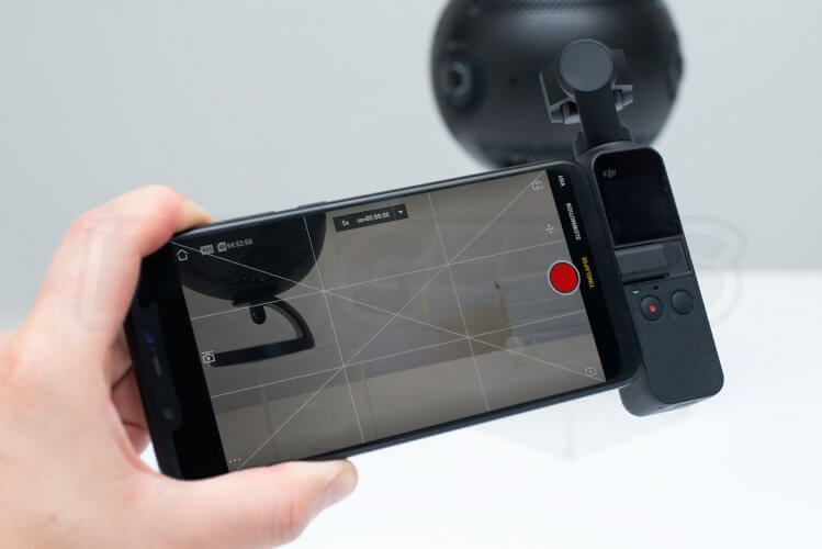 DJI Osmo Pocket smartphone connected