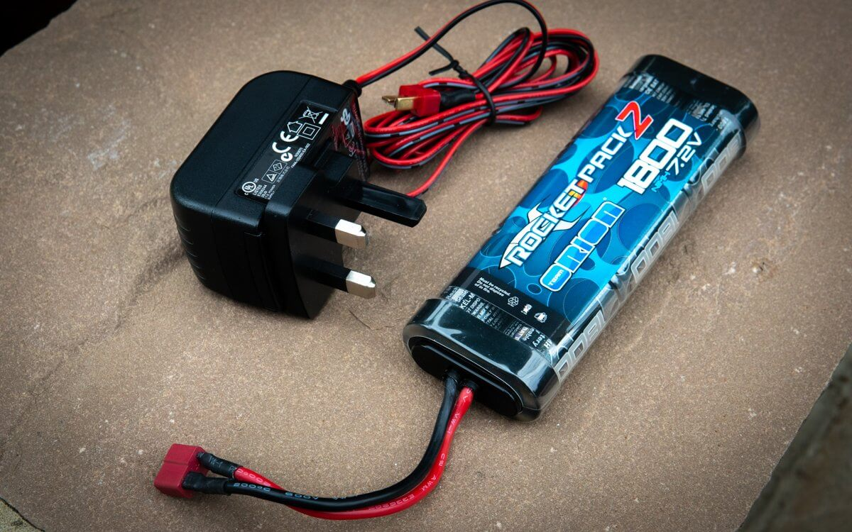 Kyosho Axxe Buggy Review Battery and Trickle Charger