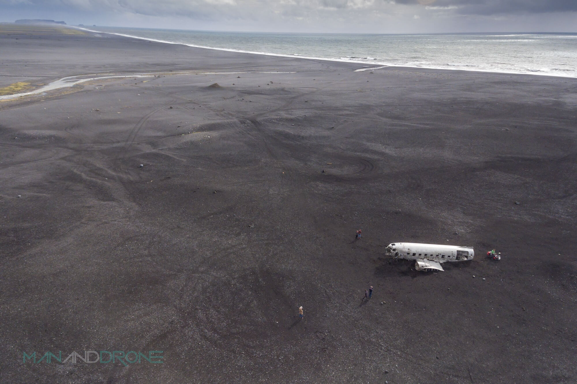 Drone-plane-wreck-iceland