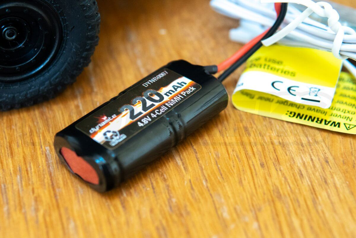 ECX Barrage 4WD FPV Crawler battery