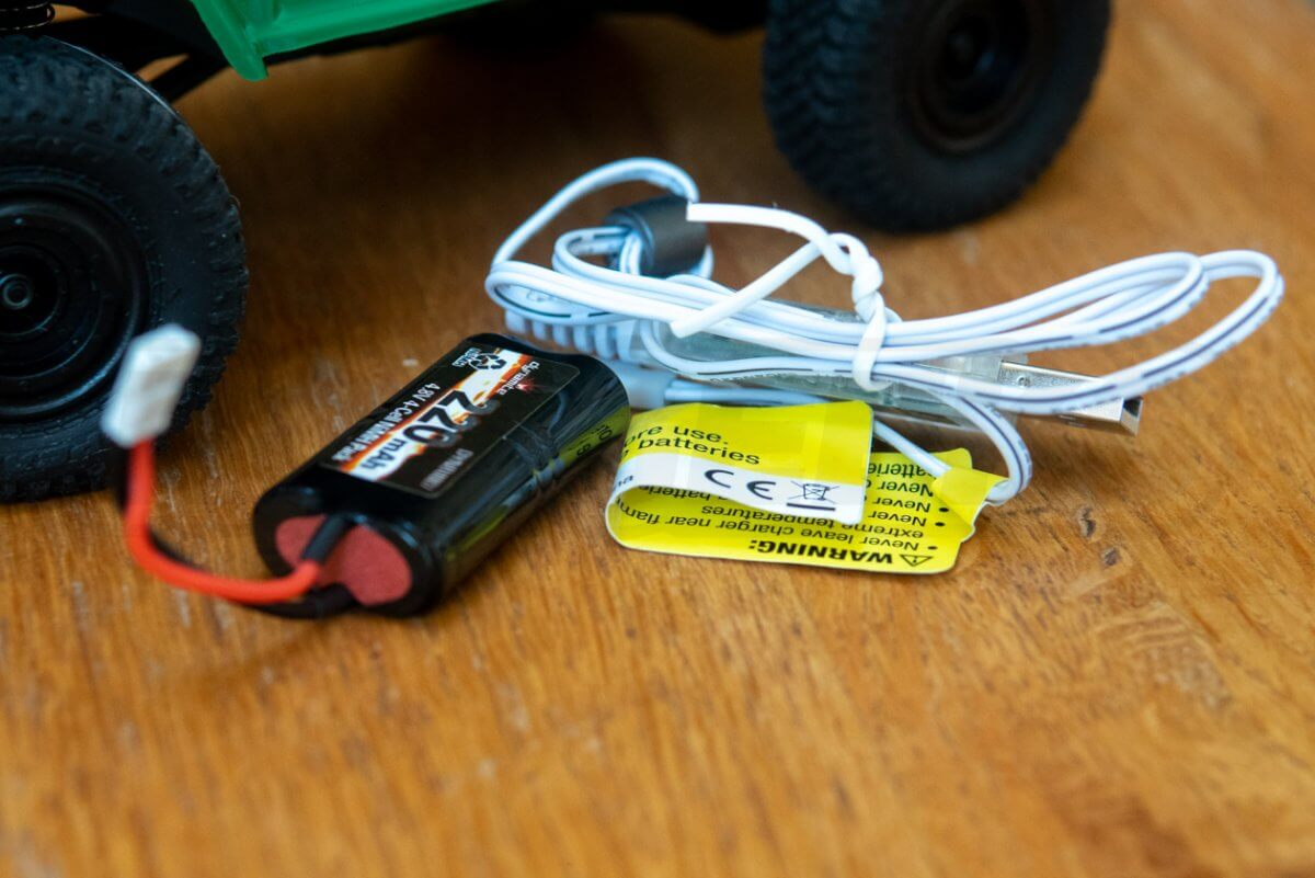 ECX Barrage 4WD FPV Crawler battery with charging cable