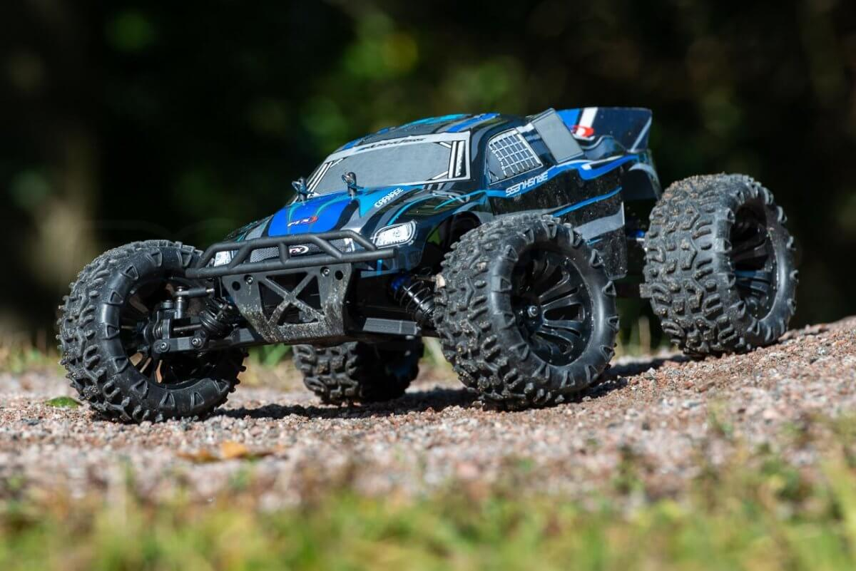 FTX Carnage Brushed versus Brushless comparison review brushless static