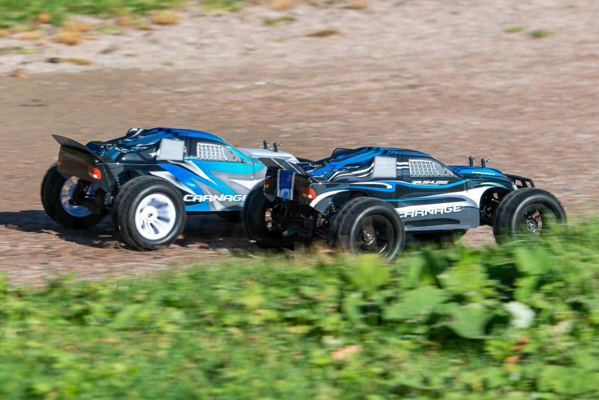 FTX Carnage Brushed versus Brushless comparison review racing overtake