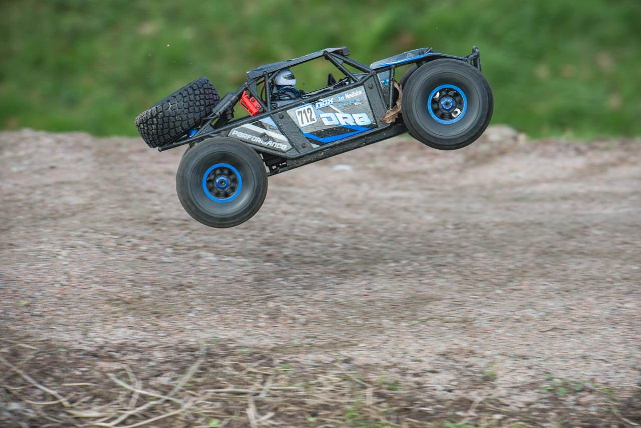 FTX-DR8-6S-Desert-Racer-Review-jump-side-pan-in-air