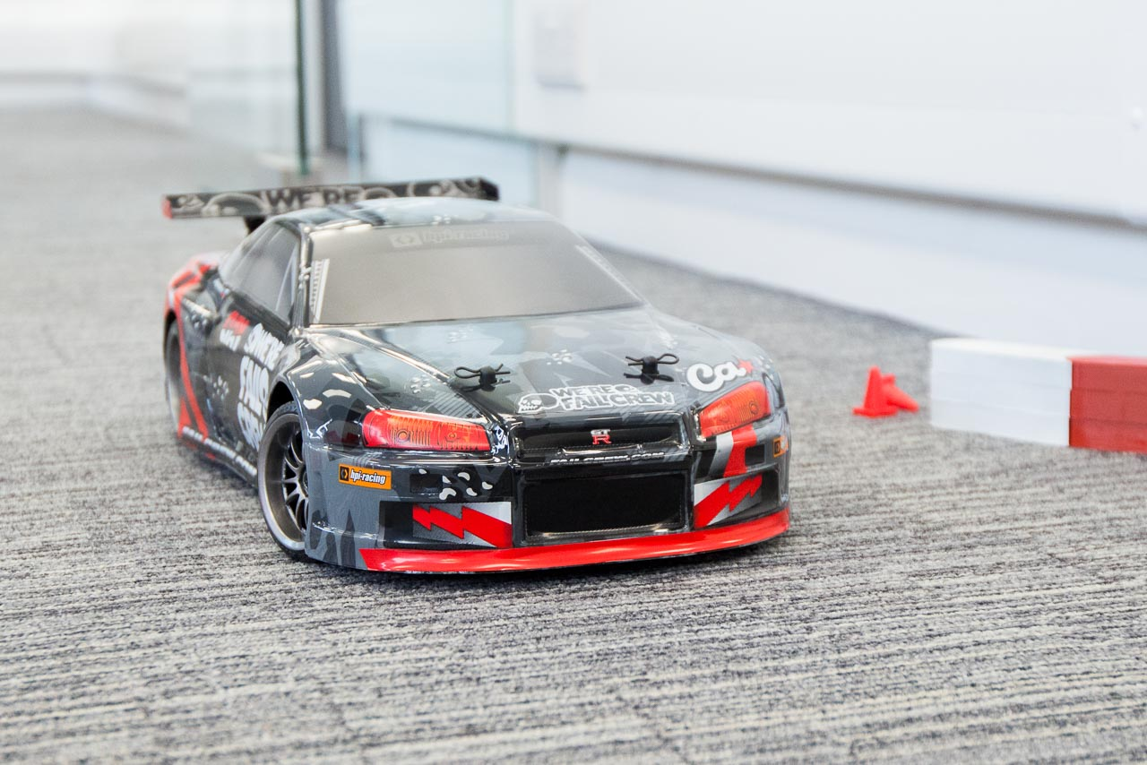 HPI Racing E10 Drift Nissan GT-R R34 Review indoor drifting setup