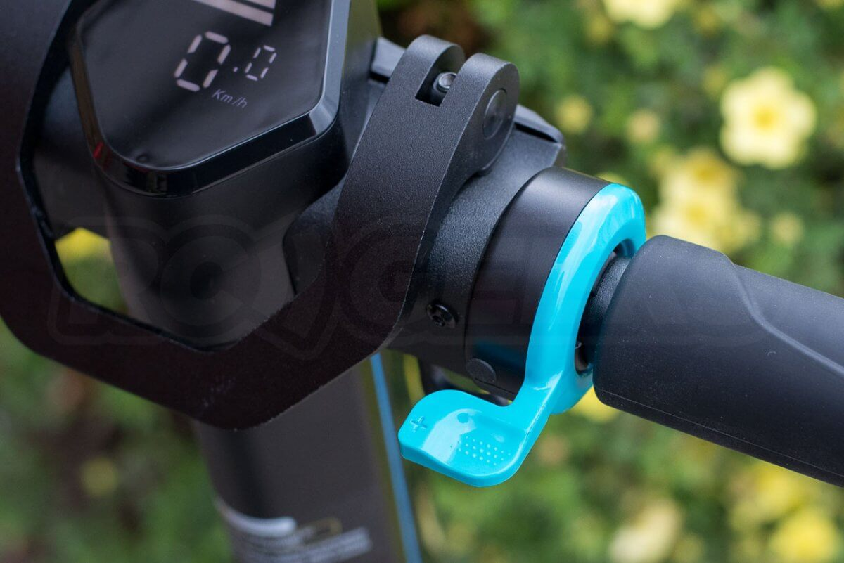 Inmotion L8F review handlebars accelerator