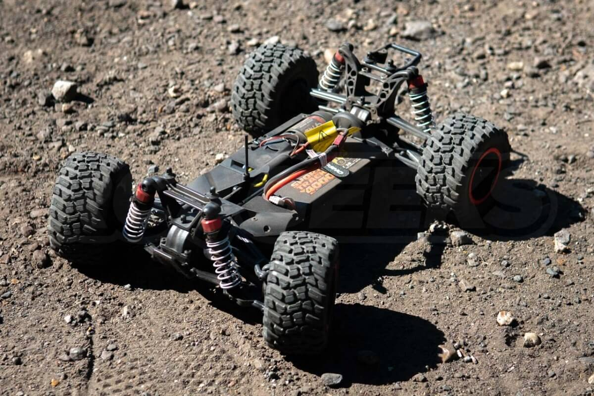 Kyosho Fazer Rage 2.0 chassis with battery inside