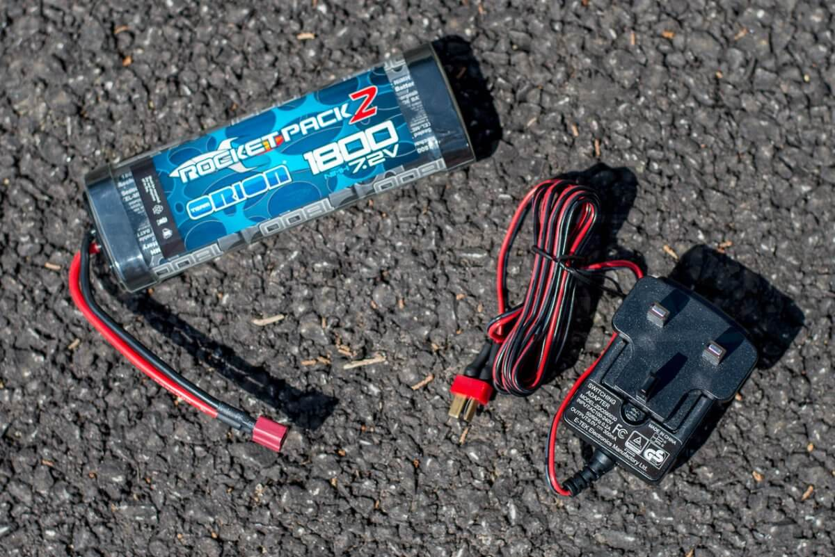 Kyosho Fazer T1 Toyota Supra RC Drift Car Review battery and charger