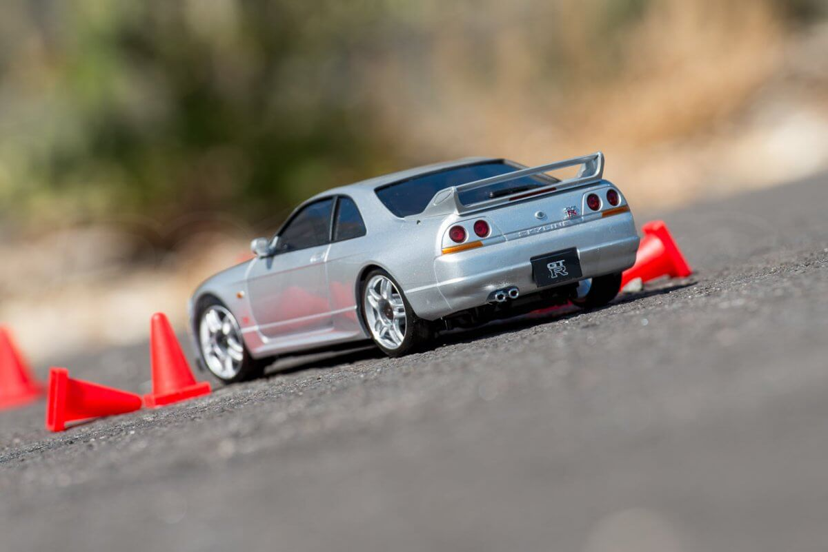 Kyosho Mini Z Drift cars review Skyline R33 autocross cones included rear low