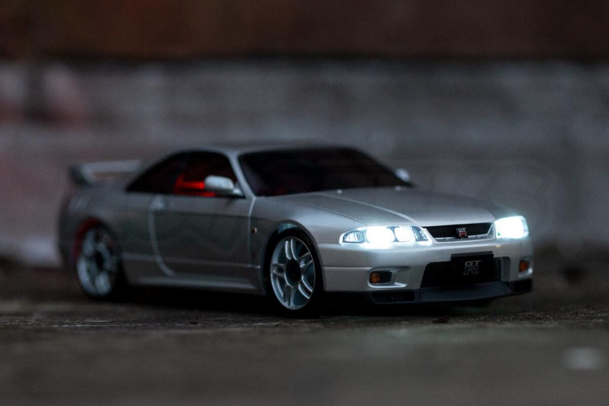 Kyosho Mini Z Drift cars review Skyline R33 light kit fitted front