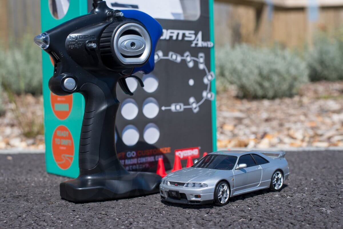 Kyosho Mini Z Drift cars review Skyline R33 unboxed