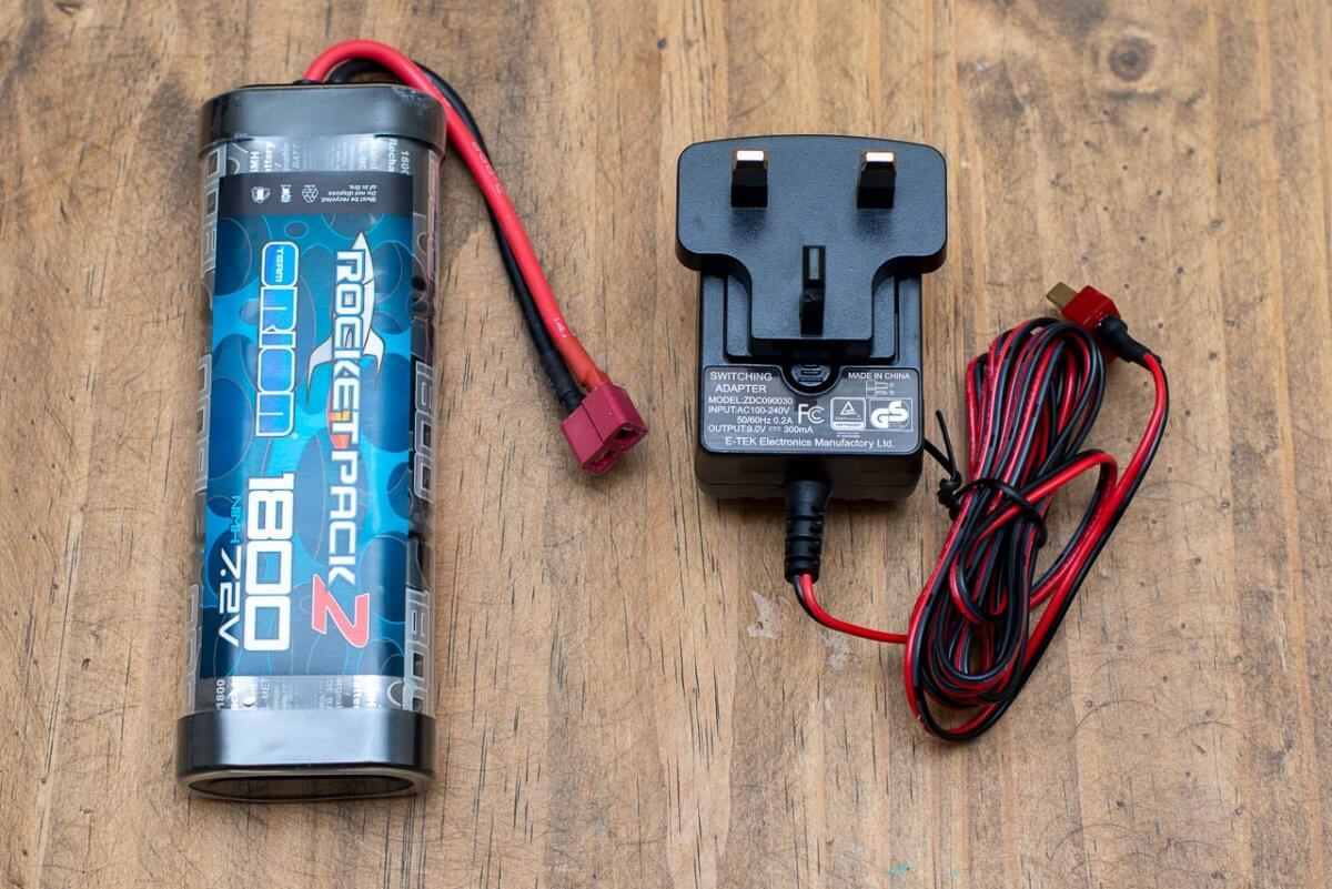 Kyosho Outlaw Rampage Review charger battery