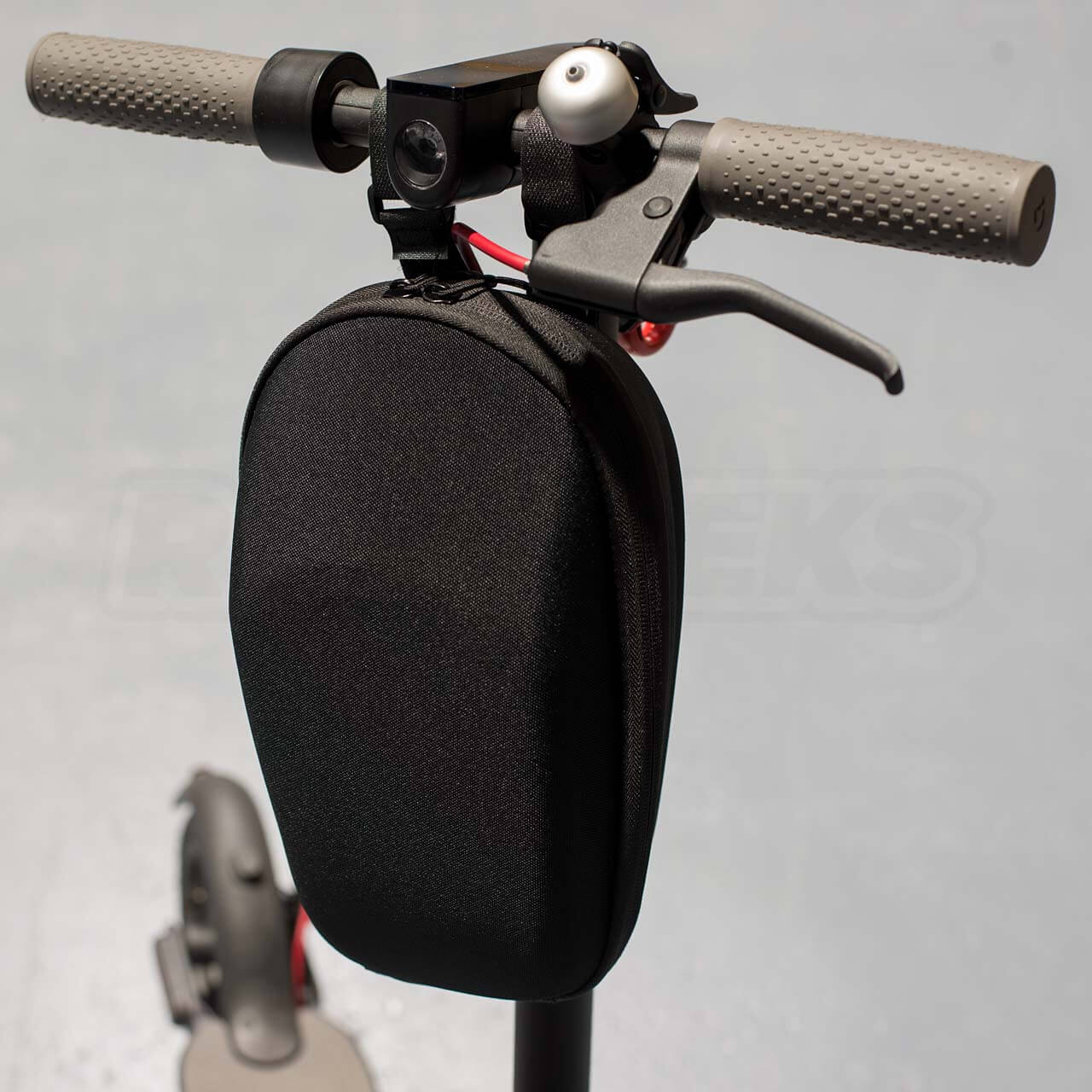 Mi-Electric-Scooter-Accessories-Handle-Storage-Bag-mounted-closed