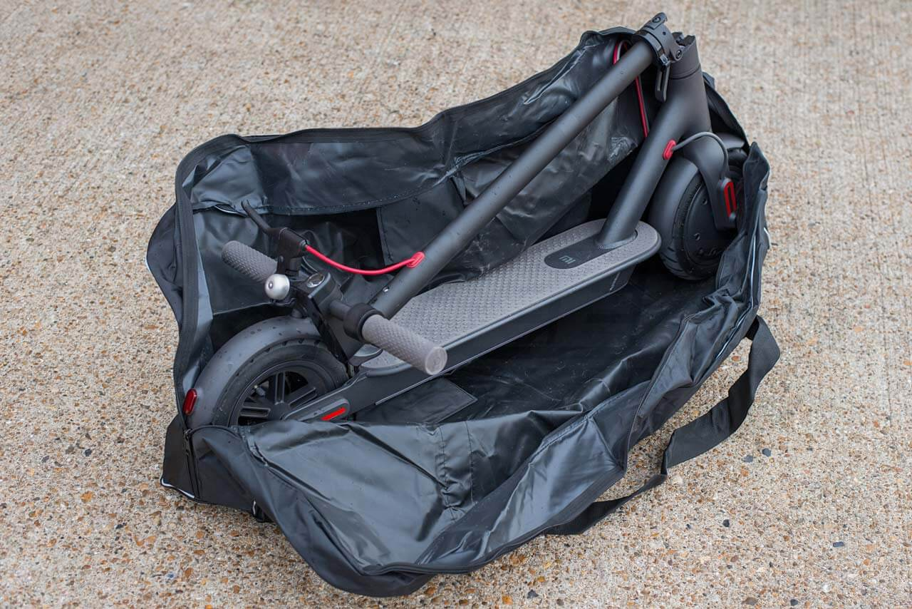 Mi-Electric-Scooter-Accessories-scooter-bag-loaded